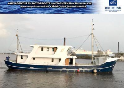 01_Explorer-Stahl_Motoryacht-WP180227-01.01