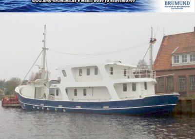 01_Explorer-Stahl_Motoryacht-WP180227-01.05